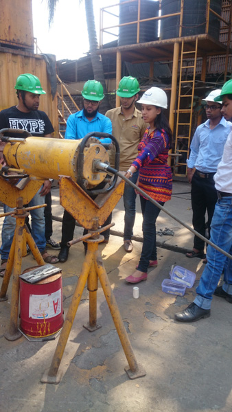 Asawari-Madam-demonstrating-industrial-X-Ray-tube-Inspection-for-INDTT-engineers